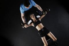 Dlaczego warto ćwiczyć z trenerem personalnym?